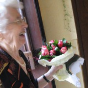 eine Freiwillige nach ihrem Einsatz bei einer 98jährigen Frau.